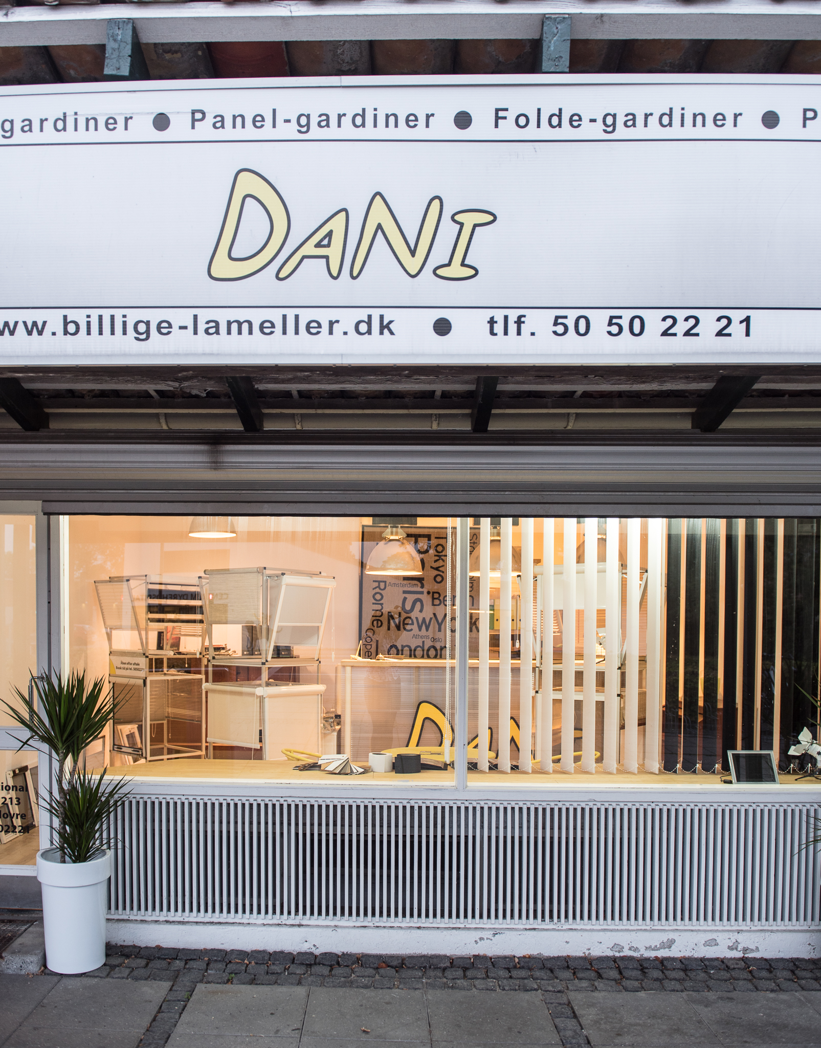 DANI International - Showroom 5